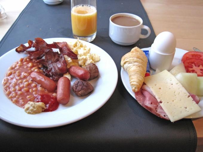 Breakfast Icehotel